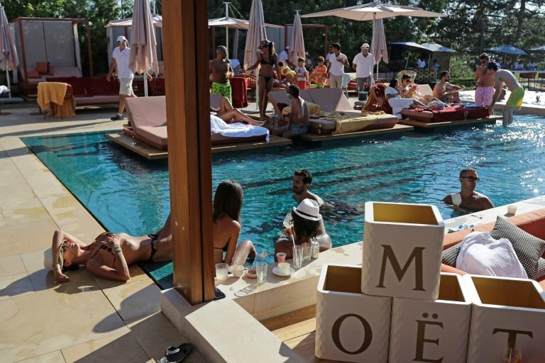 O Faqra Club é um refúgio de luxo no Líbano, um país à beira do colapso