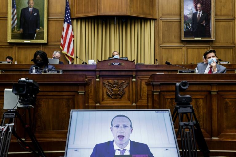Os CEOs do Facebook, Google, Apple a Amazon prestam depoimentos em audiência da comissão antitruste do Congresso dos EUA em 29 de julho de 2020