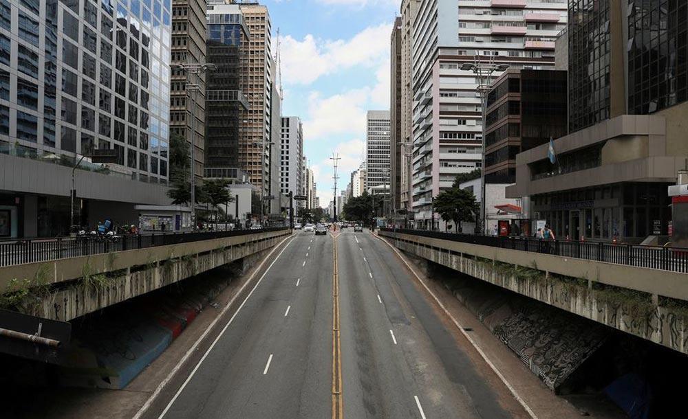 O buraco da Avenida Paulista, em São Paulo, livre de trânsito