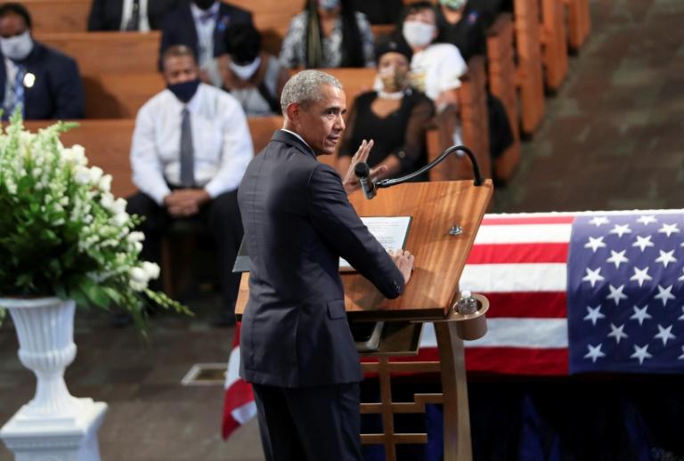 Ex-presidente dos Estados Unidos Barack Obama fala durante funeral do líder dos direitos civis John Lewis no Capitólio do Estado em Atlanta, Georgia, em 30 de julho de 2020.