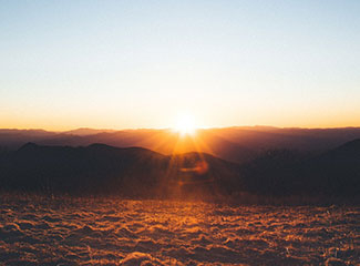 'Encontrar Deus em todas as coisas e ver que todas as coisas vem do alto' - Santo Inácio de Loyola (Unsplash/Wes Hicks)
