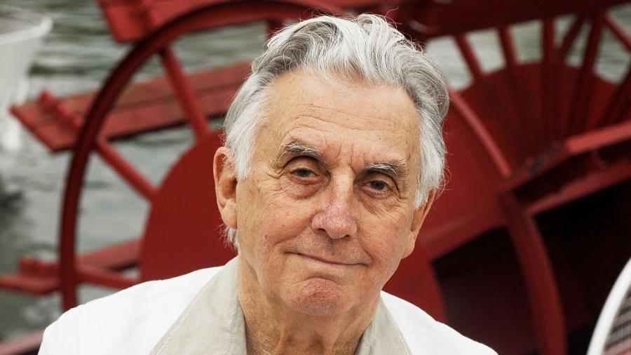 O jornalista e escritor francês Gilles Lapouge, que morreu em Paris aos 97 anos