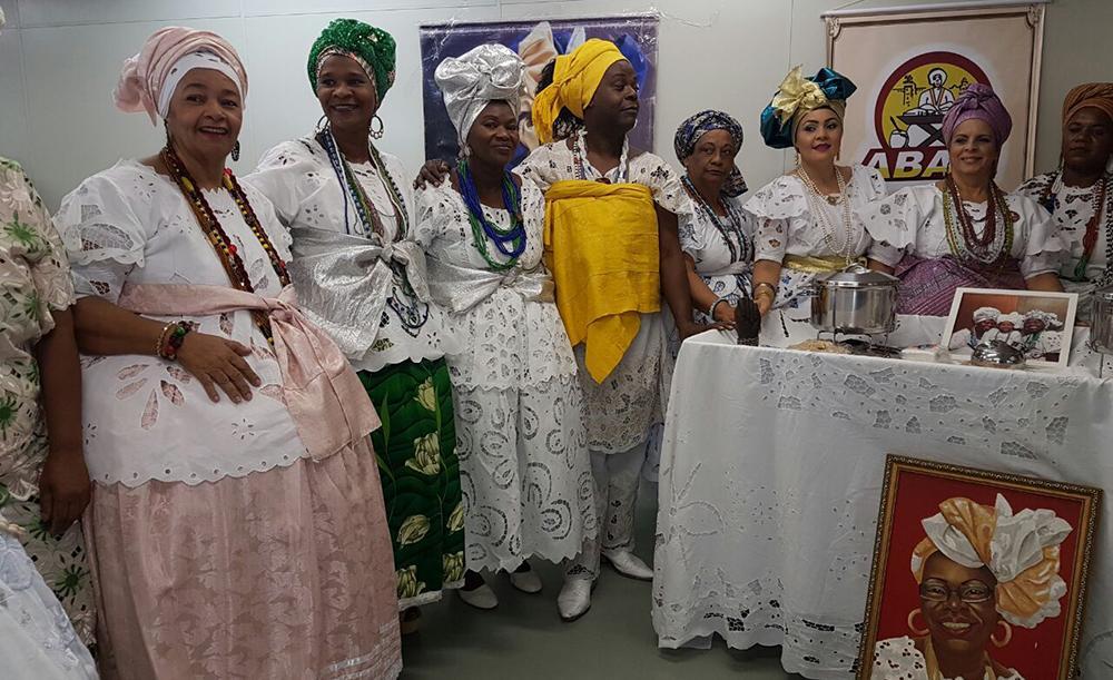 O Ofício das Baianas é apenas um dos 48 bens considerados oficialmente Patrimônio Imaterial Brasileiro, dos quais seis são tidos pela Unesco como Patrimônio da Humanidade, como o frevo pernambucano e o Círio de Nossa Senhora de Nazaré, no Pará