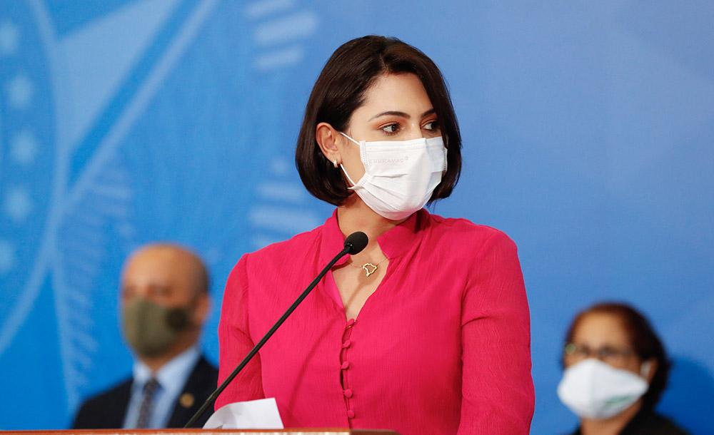 A primeira-dama Michelle Bolsonaro tem o nome relacionado ao esquema de Queiroz