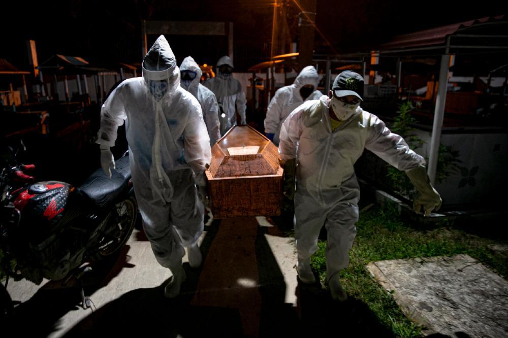 Com novos casos se alastrando pelo interior, duas a cada três cidades brasileiras já perderam alguém para a Covid-19
