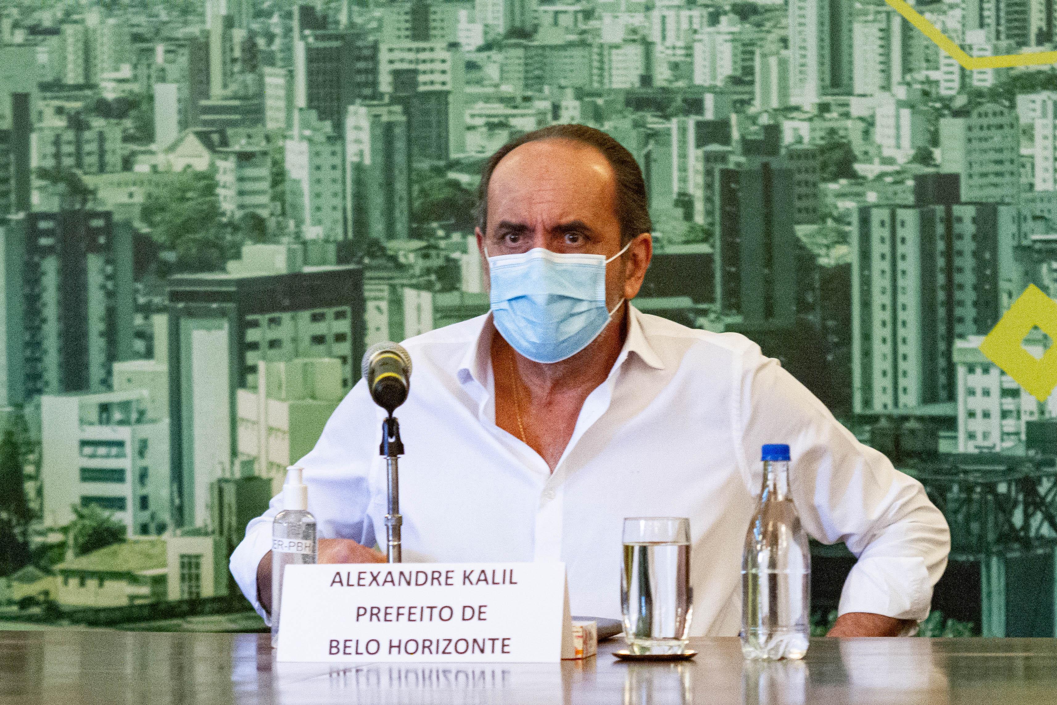 O prefeito da capital mineira Alexandre Kalil, em coletiva de imprensa