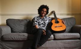 O violonista Plinio Fernandes (Reprodução/Facebook)