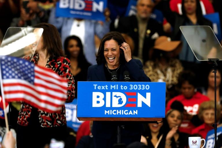 A senadora e ex-candidata à nomeação democrata Kamala Harris em um comício do candidato Joe Biden, em 9 de março de 2020