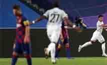 Messi foi figura apagada na pior derrota da história do Barça (Manu Fernandez/AFP)