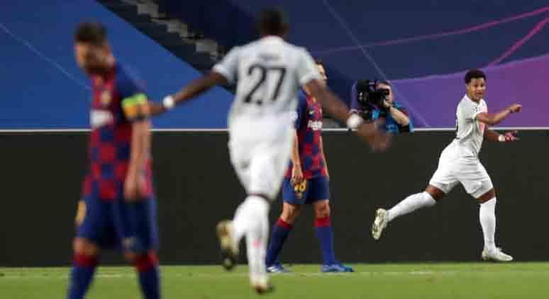 Messi foi figura apagada na pior derrota da história do Barça