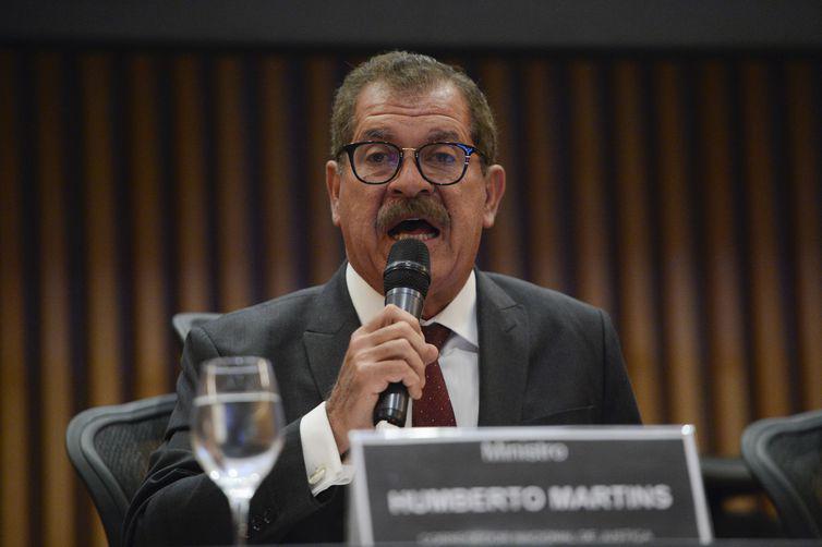 Ministro Humberto Martins quer informações sobre o caso