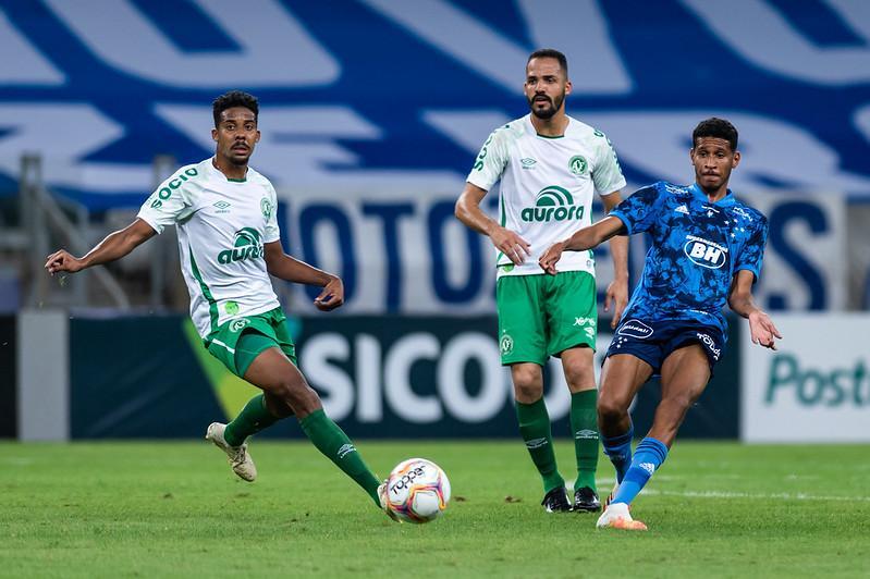 Cruzeiro E Derrotado Pela Chapecoense E Sofre Primeiro Reves Na Serie B