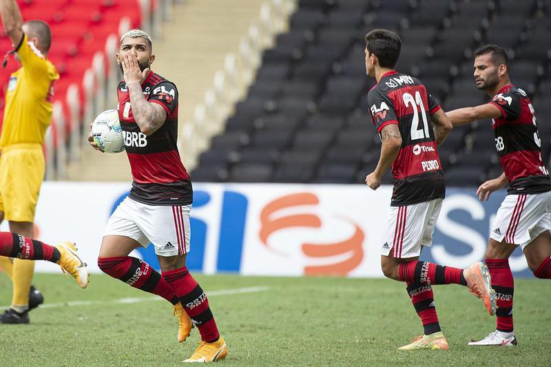 Artilheiro pode ser desfalque no Flamengo