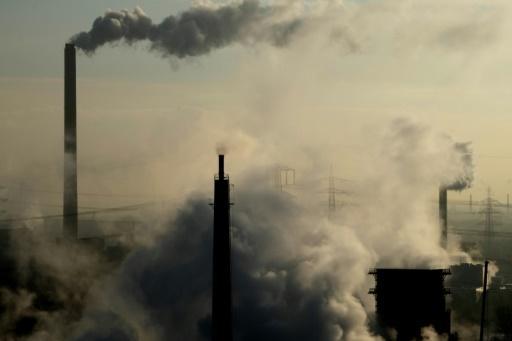 Enquanto a diplomacia não avança no sistema previsto no Acordo de Paris, alguns países locais se adiantaram na taxação do carbono para controlar as emissões