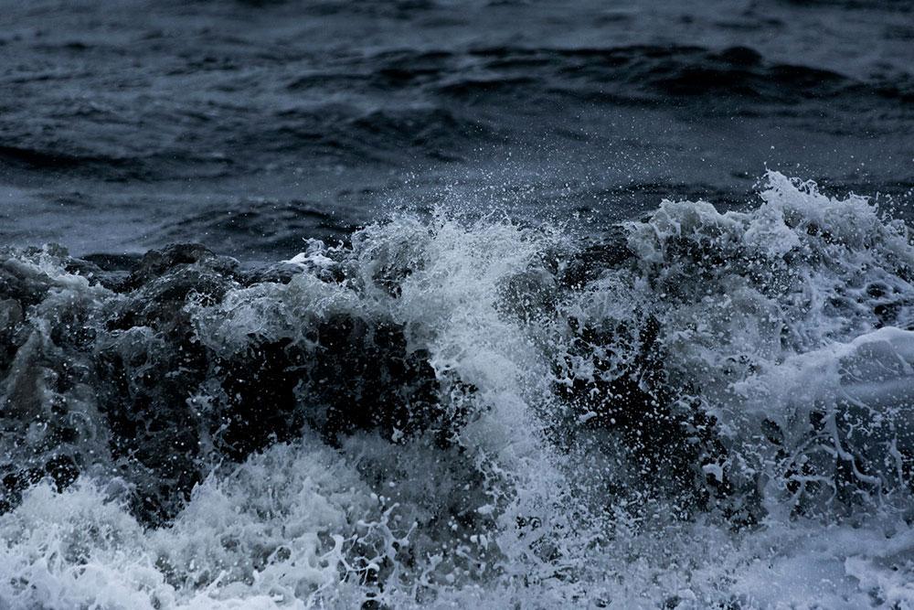 Todos nós, no nível pessoal ou coletivo, vivemos experiências de tempestades