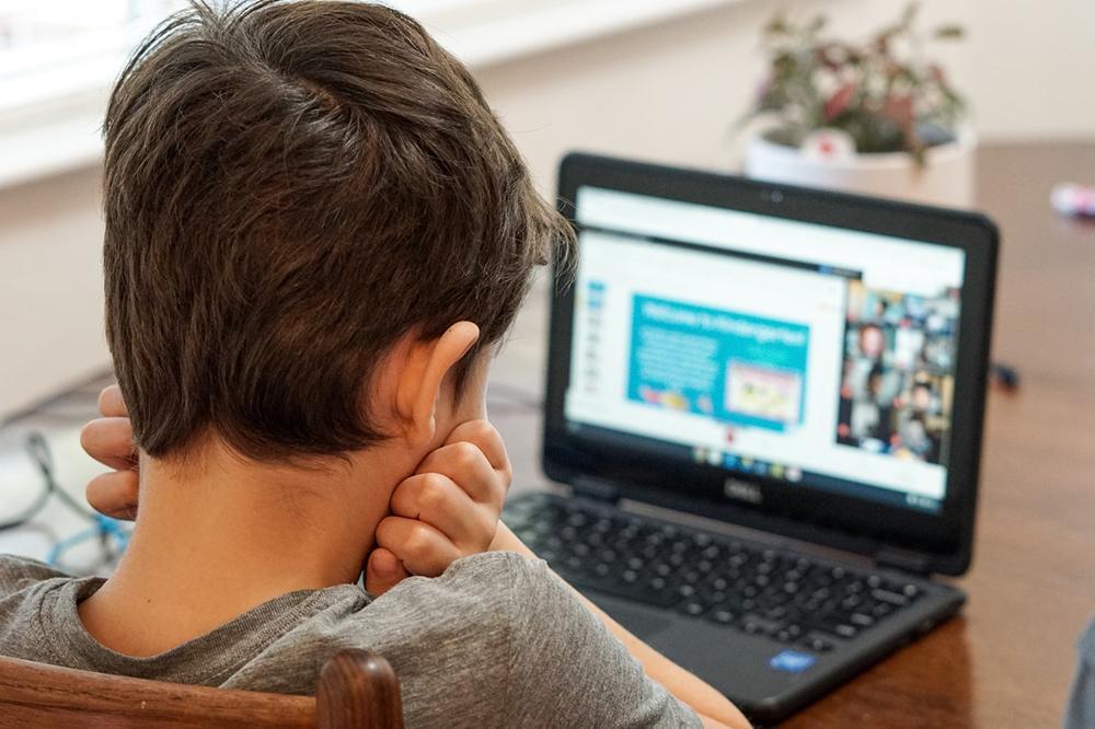 O Vaticano considera que o ensino à distância tem limitações, apesar de ser 'necessário neste momento extremamente crítico'