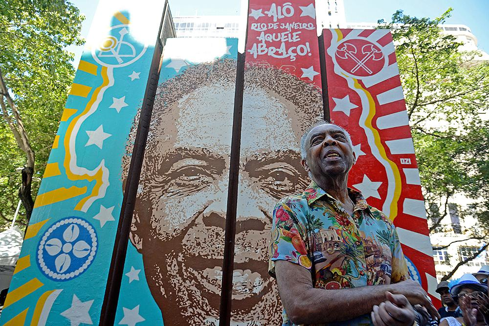 Gilberto Gil participa de inauguração de painel em sua homenagem na Cinelândia, no centro do Rio, em 2017
