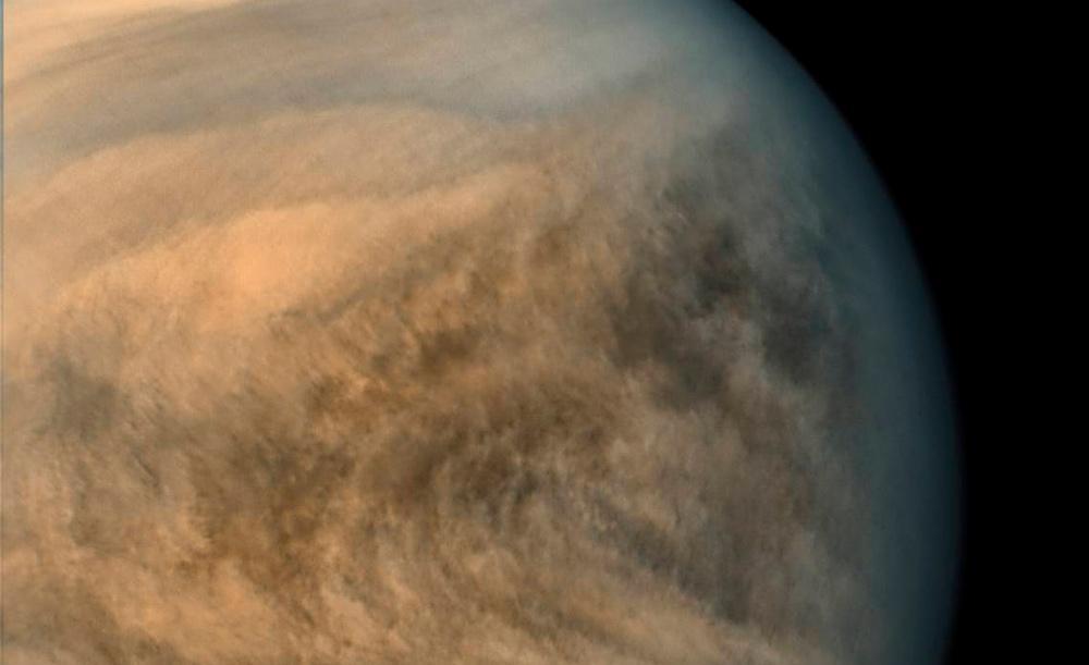 A atmosfera de Vênus é bastante variável, mas no solo pode chegar a 900 graus