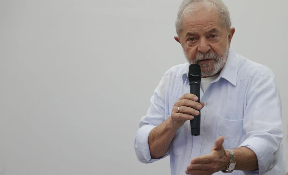 O ex-presidente Lula diz que a Lava Jato o persegue por motivos políticos