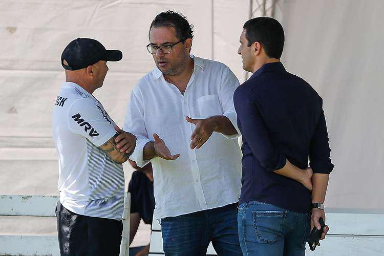 Contratação de Thiago Neves foi pedida por Sampaoli