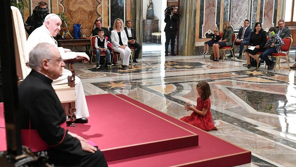 O pontífice, ao se dirigir ao grupo no Vaticano, também encoraja entidades no mundo inteiro empenhadas em cuidar de crianças autistas, que têm 'uma beleza única aos olhos de Deus': 'tudo o que vocês fizeram a um só destes pequenos, vocês fizeram a Jesus!'