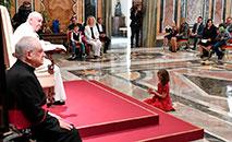 O pontífice, ao se dirigir ao grupo no Vaticano, também encoraja entidades no mundo inteiro empenhadas em cuidar de crianças autistas, que têm 'uma beleza única aos olhos de Deus': 'tudo o que vocês fizeram a um só destes pequenos, vocês fizeram a Jesus!' (Vatican Media)