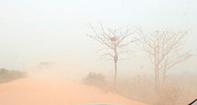 Fumaça das queimadas na cidade de Poconé no Mato Grosso (Lula Marques)