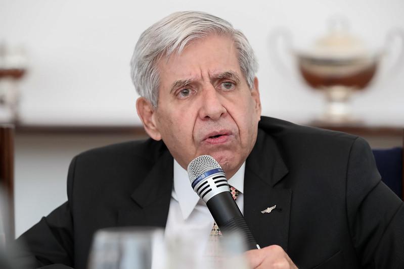 Augusto Heleno ignora dados oficiais sobre o desmatamento no Brasil