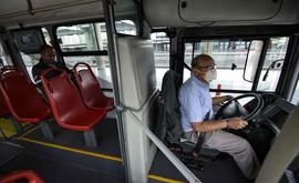 Número de passageiros de ônibus entre abril e junho caiu em 3 vezes em comparação ao mesmo período em 2019 (Juan Barreto/AFP)