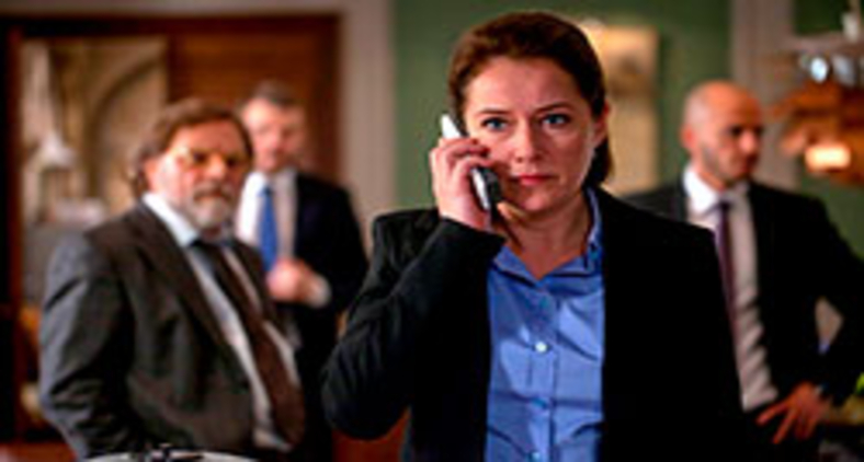 Sidse Babett Knudsen interpreta Brigitte Nyborg em Borgen (Divulgação)