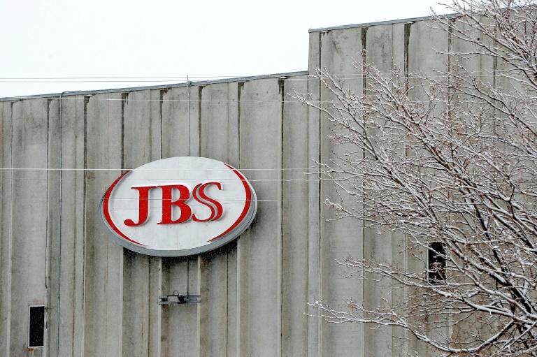 A JBS, grupo brasileiro que exporta carnes para todos os continentes, apresentou um plano contra o desmatamento