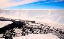 Derretimento das geleiras poderia afetas países insulares e grandes cidades costeiras (Ali Rose/AFP)