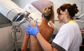 Após a confirmação do câncer, o tratamento deve ser iniciado em um prazo máximo de 60 dias, conforme prevê a Lei 12.732/2012 (Arquivos/AFP)