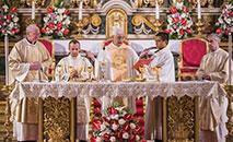 O superior geral dos Jesuítas, pe. Arturo Sosa, S.J preside a missa de encerramento da Congregação Geral 36 na igreja de Santo Inácio em Roma em 12 de novembro de 2016 (GC36 Communications)