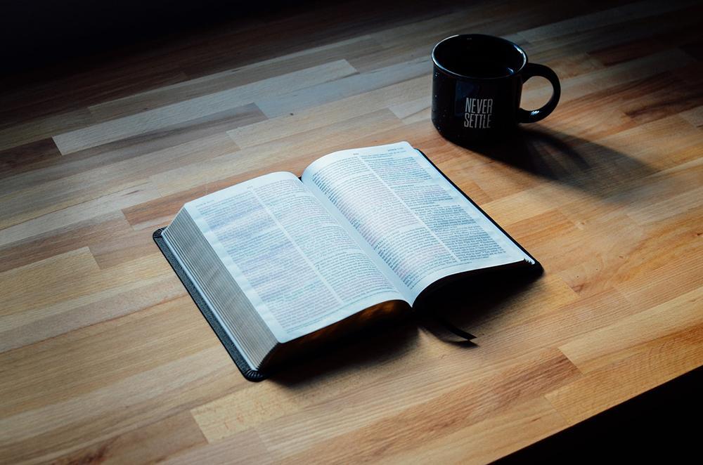 Comer do livro diz respeito à vocação profética