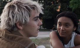 Jack Dylan Grazer e Jordan Kristine Seamón são os protagonistas Fraser e Caitlin (Divulgação/HBO)