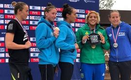 Para conquistar mais uma medalha nesta perna europeia de competições, Ana Marcela precisou de 57min05m07s (Divulgação/CBDA)