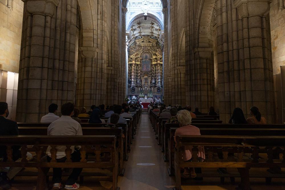 Vaticano recorda que as medidas ditadas pelos bispos e pelas conferências episcopais durante a pandemia