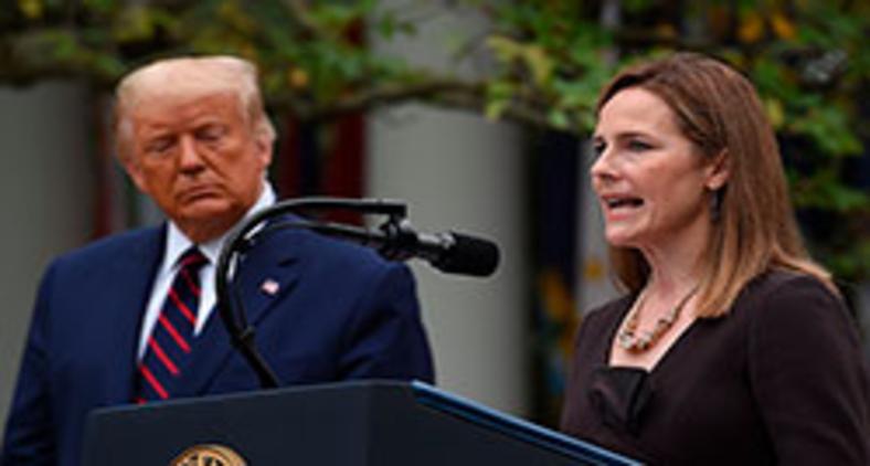 Trump e a juíza Amy Coney Barrett (Olivier Douliery/AFP)