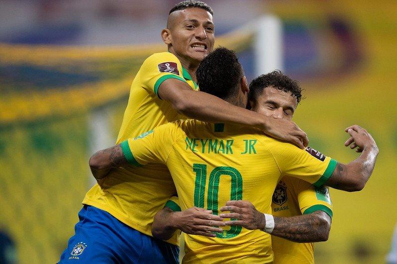 Gols foram marcados por Marquinhos, Roberto Firmino, Carrasco (contra) e Philippe Coutinho