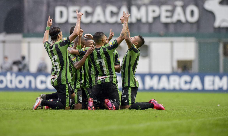 Coelho superou Brasil de Pelotas, por 3 a 1, no estádio Independência