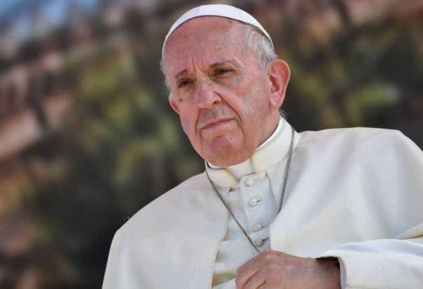 Agora, o papa Bergoglio faz uma caminho que parecia já ter sido anunciado no começo do ano por outros de seus importantes colaboradores