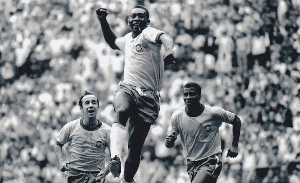 O Rei comemora gol marcado pela Seleção Brasileira na Copa de 1970