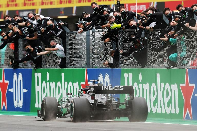 Essa foi a oitava conquista do piloto britânico em 12 provas no ano