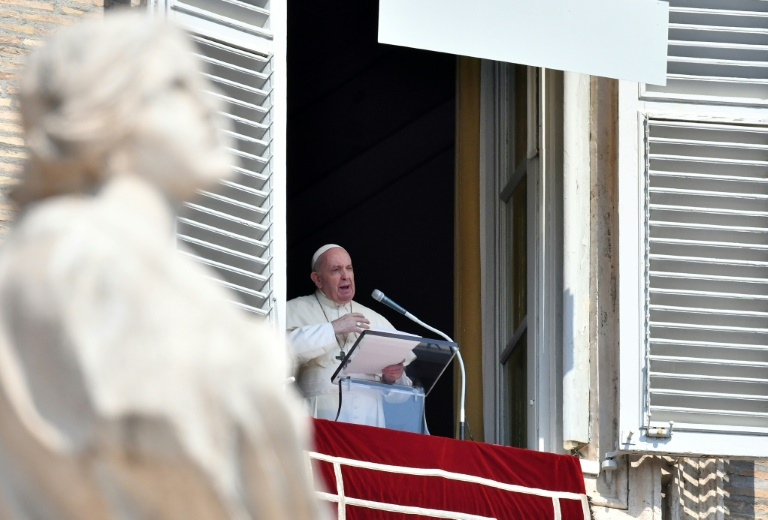 O papa Francisco durante a oração do Angelus na Praça de São Pedro em 13 de setembro de 2020