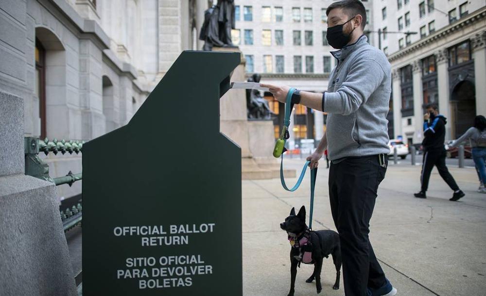 A maioria dos estados flexibilizou as exigências para admitir o voto antes do dia da votação, para evitar aglomerações em razão da pandemia