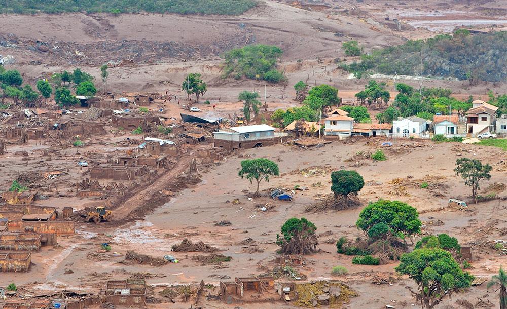 Barragem de Fundão pertencia à mineradora Samarco, que tem como acionistas as também mineradoras Vale e BHP Billiton