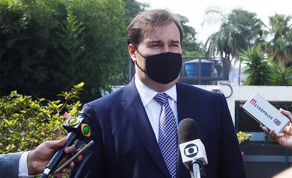 As duas primeiras palavras de Maia se referem a falas de Bolsonaro feitas em uma cerimônia no Palácio do Planalto