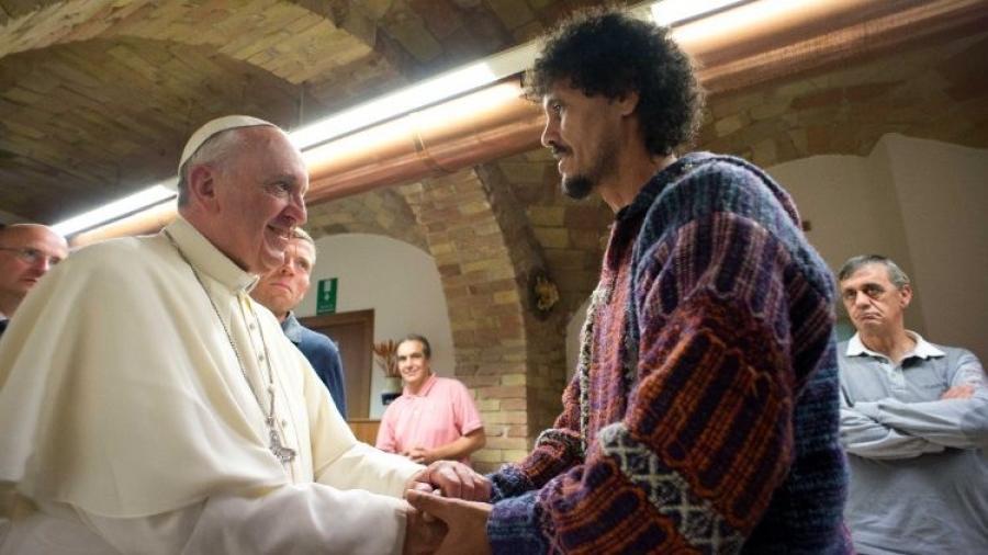 Na sua mensagem para o Dia Mundial dos Pobres, Francisco declara a necessidade de 'ações concretas para apoiar os mais vulneráveis'