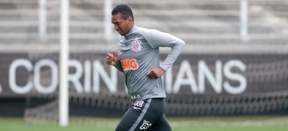 Artilheiro da Libertadores pelo Galo em 2013, Jô não enfrentará o ex-clube